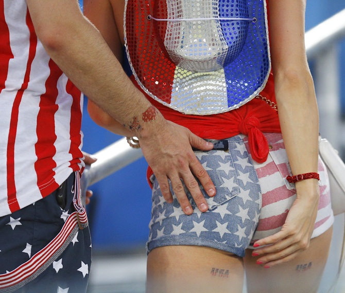 Fans of the US wait for the match against Germany to commence