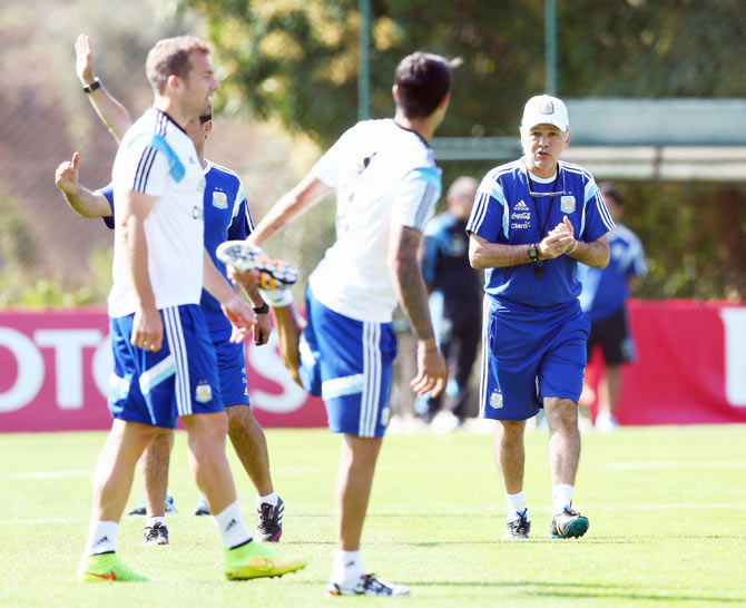 Coach Alejandro Sabella of Argentina during a training session at Cidade do Galo