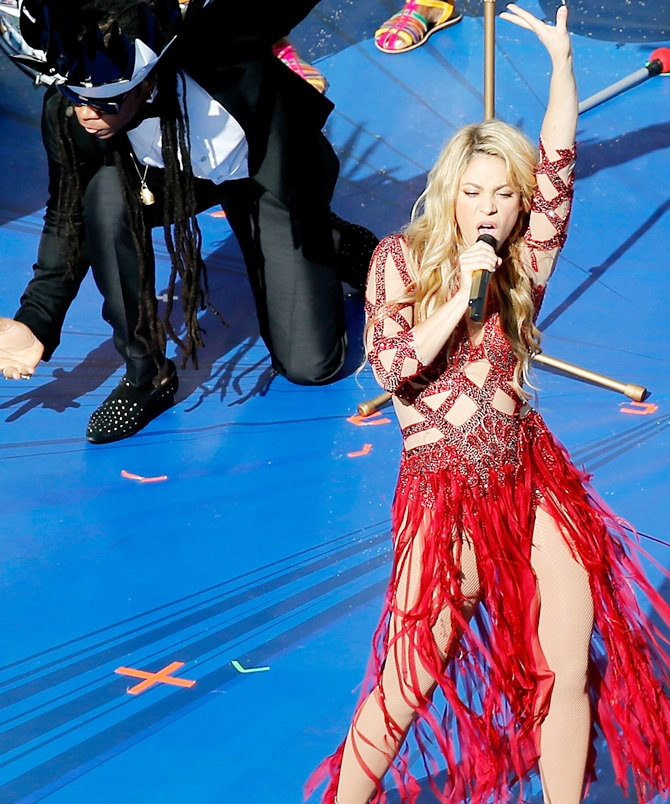 Shakira S World Cup Song La La La Hit Or Flop Tell Us Rediff Sports
