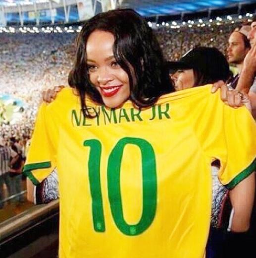 Rihanna supports Neymar