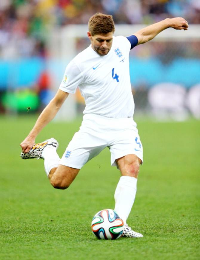 Steven Gerrard of England strikes the ball during the 2014 FIFA World Cup Brazil Group D match between Uruguay and England at Arena de Sao Paulo on June 19, 2014 in Sao Paulo, Brazil