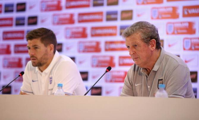 Manager Roy Hodgson and capatin Steven Gerrard talk to the media during an England press conference at the Urca Military Base on June 22, 2014 in Rio de Janeiro, Brazil