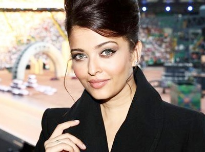 Spotted! Aishwarya Rai Bachchan at CWG Opening Ceremony!