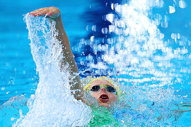 Belinda Hocking of Australia competes on the way to winning the gold medal in the Women's 200m Backstroke Final at Tollcross International Swimming Centre on Sunday