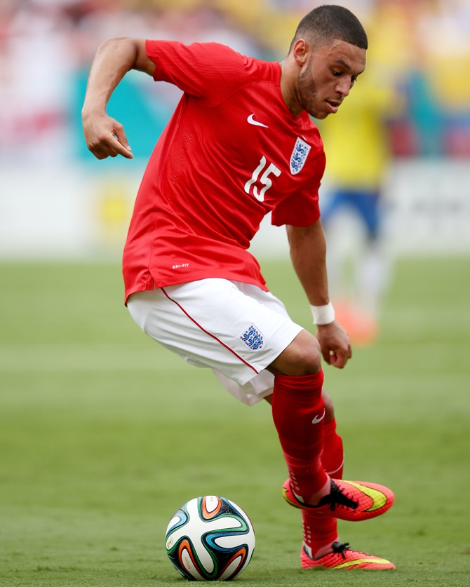 Alex Oxlade-Chamberlain in action
