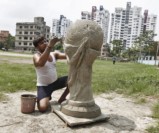 PHOTOS: World Cup fever scorches Indian shores