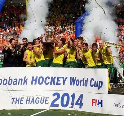 Champions Australia celebrate with the trophy after beating The Netherlands in the final