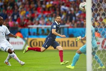 Karim Benzema scores his second goal against Honduras