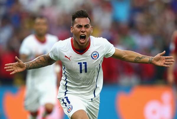 Eduardo Vargas of Chile celebrates scoring his team's first goal