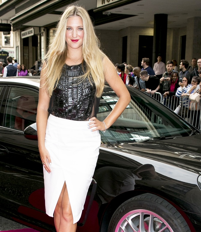 Victoria Azarenka arrives with a Porsche Panamera