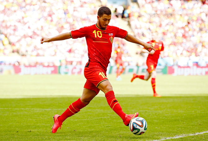 Eden Hazard of Belgium controls the ball during the Group H match against Russia at Maracana