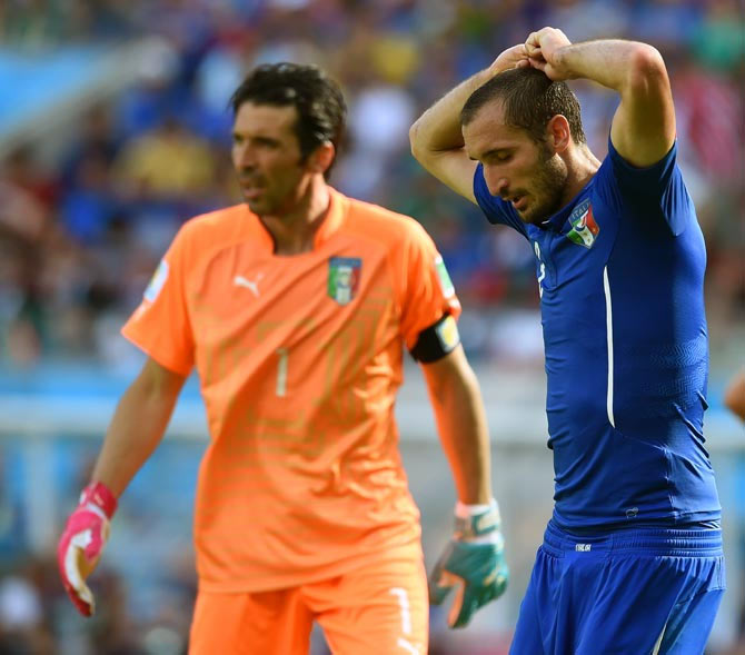 Italy's Giorgio Chiellini (right) and goalkeeper Gianluigi Buffon