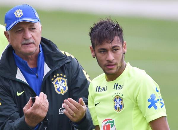 Brazil's head coach Luiz Felipe Scolari (left) and Neymar during a training session
