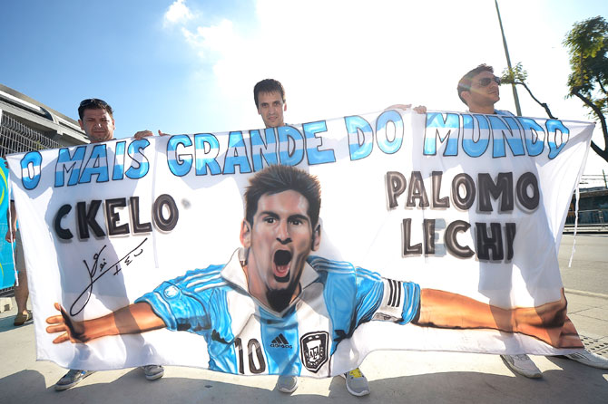 Argentine fans with a Messi banner