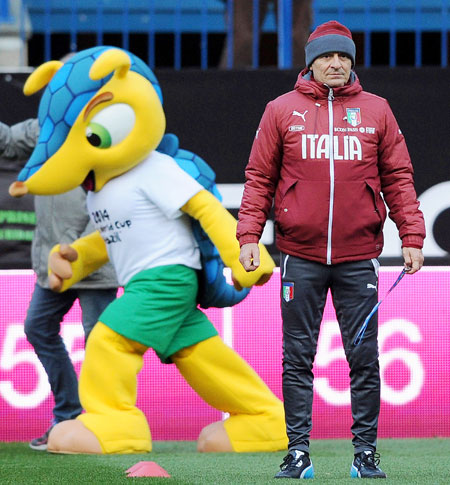 Head coach of Italy Cesare Prandelli during a training session before the international friendly against Spain in Madrid