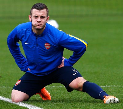 Arsenal's Wilshere out for six weeks with fractured foot