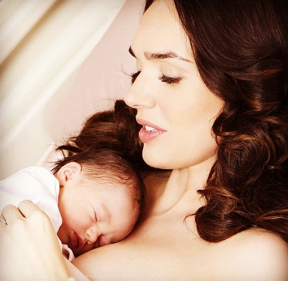 Tamara Ecclestone with her newborn daughter Sophia