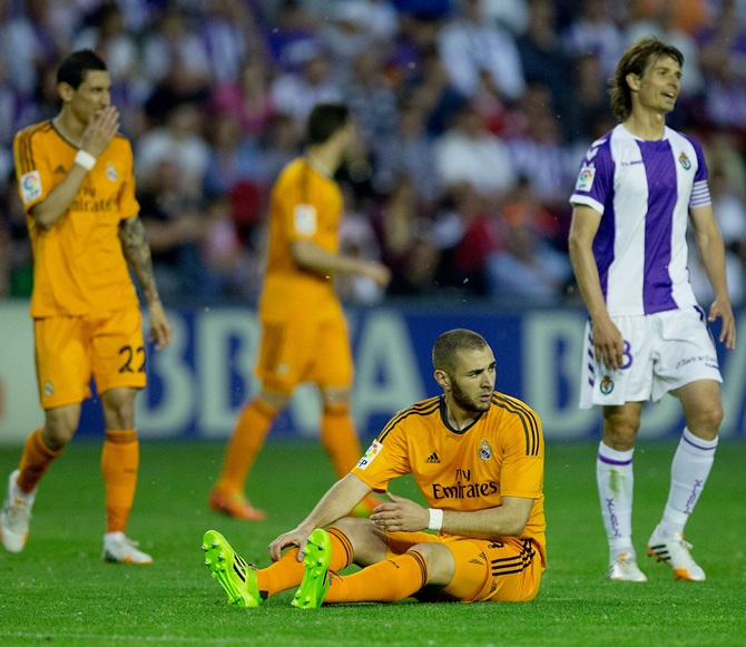 Karim Benzema of Real Madrid CF reacts after failing to score