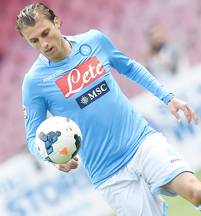 Henrique of Napoli in action