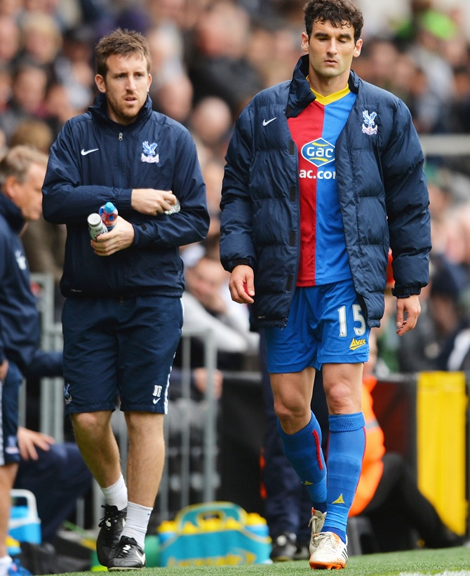 Mile Jedinak of Crystal Palace leaves the field during the Barclays Premier League match between Fulham and Crystal Palace