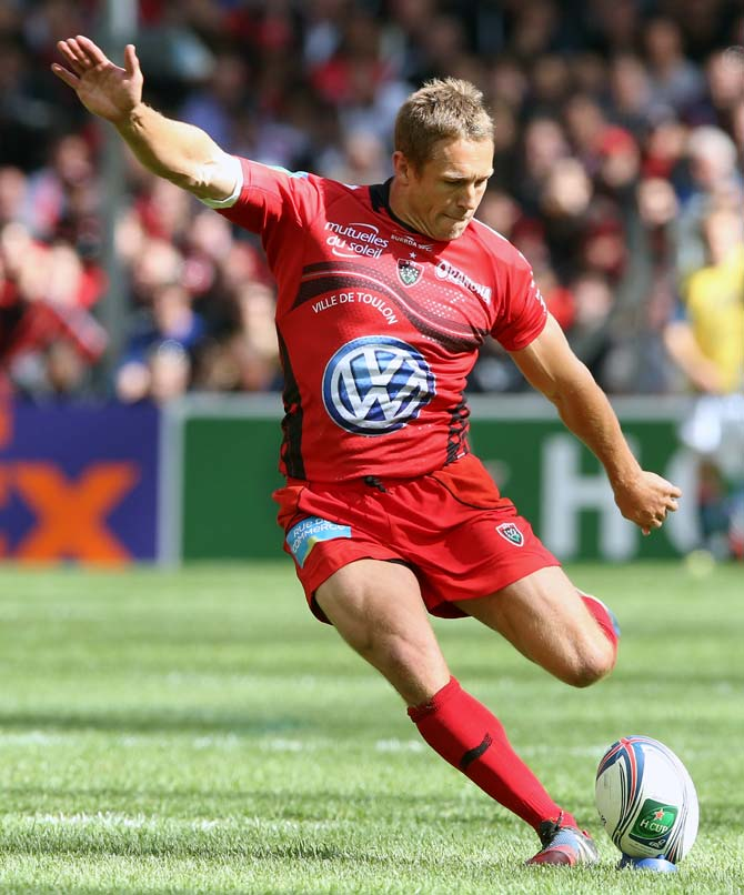 Jonny Wilkinson of Toulon kicks a penalty during the Heineken Cup semi final match between against Munster at the Stade Velodrome in Marseille.