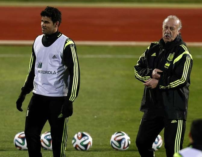 Diego Costa (left) with Spain coach Vicente del Bosque