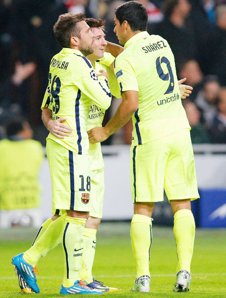 1ef96be2192 Champions League: Messi equals Raul's record as Barca advance to knockouts