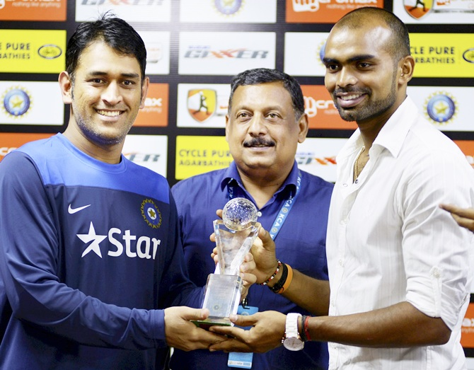 MS Dhoni with Shreejesh