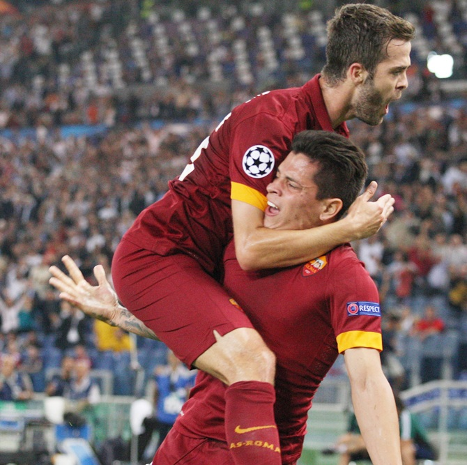 Manuel Iturbe, right, with his teammate Miralem Pjanic of AS Roma
