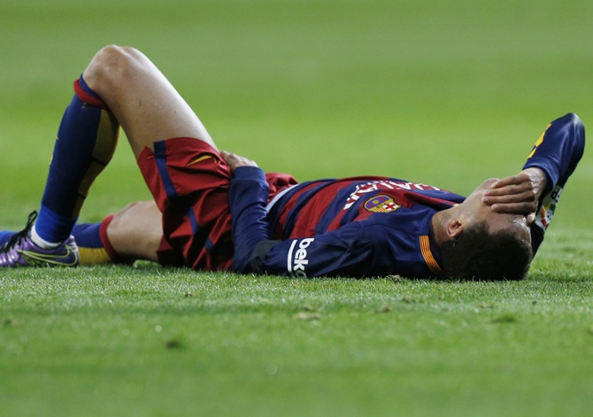 Rediff Sports - Cricket, Indian hockey, Tennis, Football, Chess, Golf - Did Neymar deserve the kick?