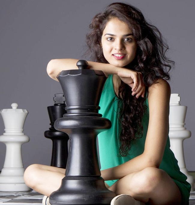 Magnus Carlsen springs Game 8 escape thanks to Fabiano Caruana's false step