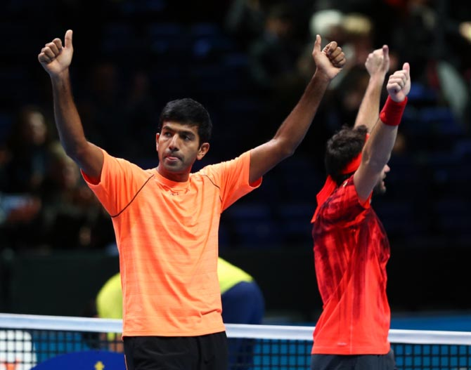 Santina begin title defence in style; Bopanna wins