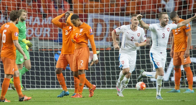 Georginio Wijnaldum (8) of the Netherlands reacts