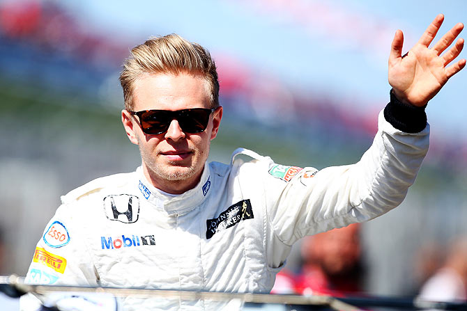 F1: Magnussen splits with McLaren