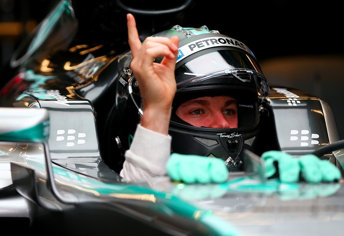 US Grand Prix: Rosberg takes pole after rain-hit qualifying