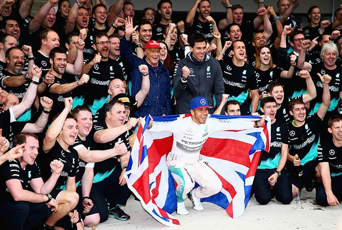 Hamilton emulates Senna...seeks to inspire others