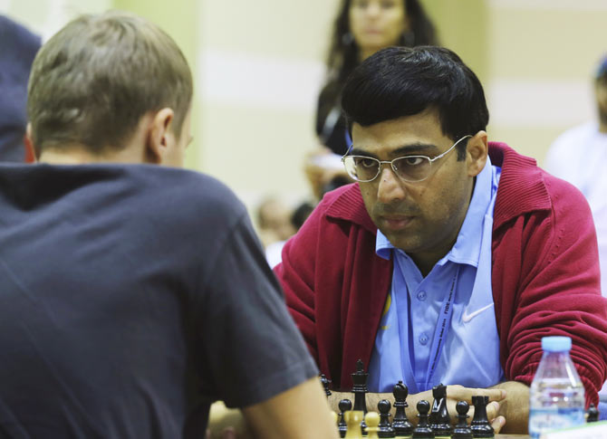 Rediff Sports - Cricket, Indian hockey, Tennis, Football, Chess, Golf - Sinquefield Chess: Anand draws with Aronian; remains joint eighth