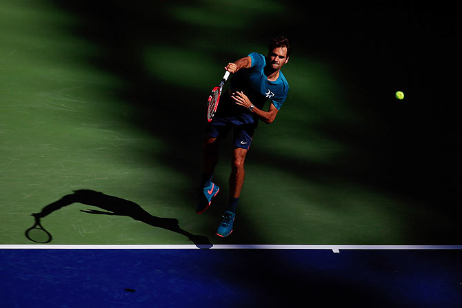 Rediff Sports - Cricket, Indian hockey, Tennis, Football, Chess, Golf - Federer commences US Open bid against challenging Mayer