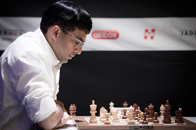 Rediff Sports - Cricket, Indian hockey, Tennis, Football, Chess, Golf - Sinquefield Chess: Anand draws with Carlsen, finishes ninth