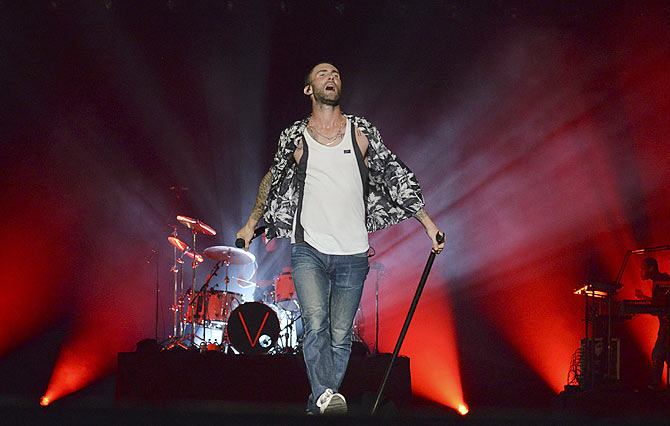Maroon 5 enthrall F1 fans in Singapore