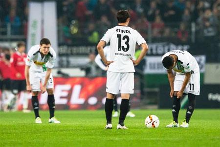Rediff Sports - Cricket, Indian hockey, Tennis, Football, Chess, Golf - Bundesliga: Gladbach's Champions League hopes fall in defeat to Hanover