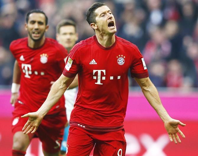 Rediff Sports - Cricket, Indian hockey, Tennis, Football, Chess, Golf - Bundesliga: Bayern close on title as Lewandowski strikes