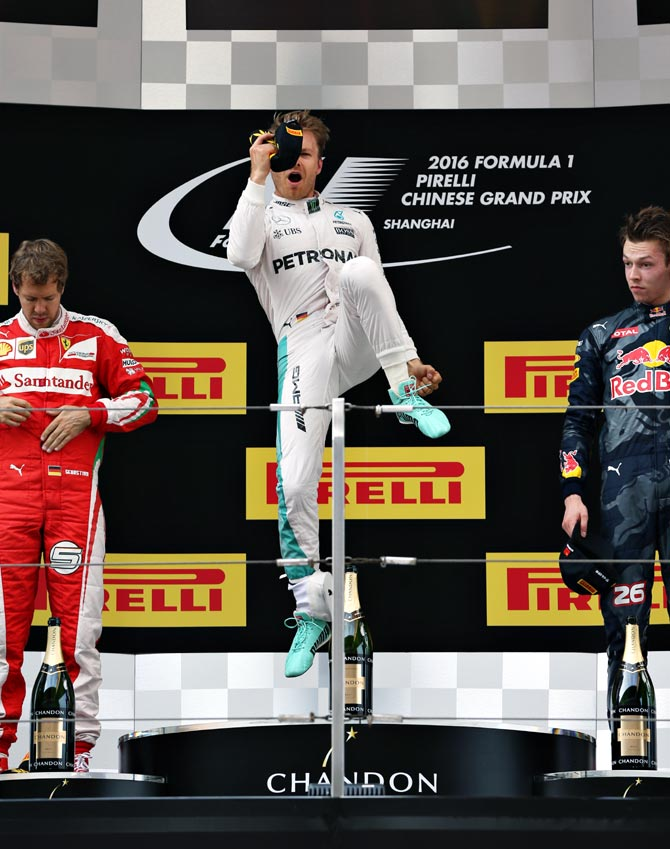 F1: Rosberg extends win streak in China, Hamilton seventh