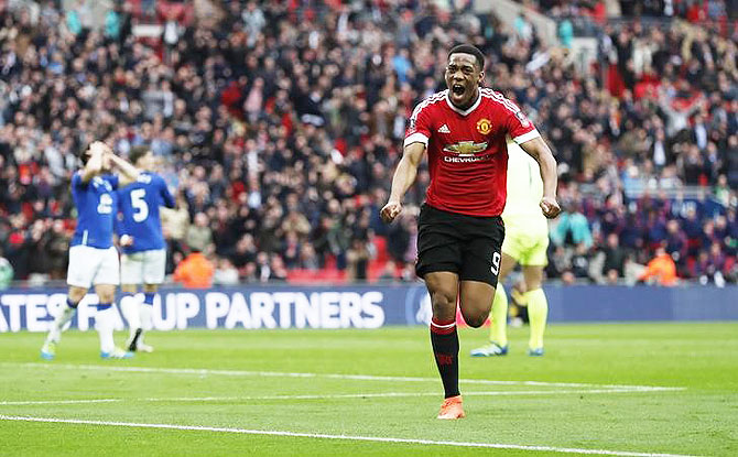 Rediff Sports - Cricket, Indian hockey, Tennis, Football, Chess, Golf - United edge Everton to enter FA Cup final after Martial's late goal