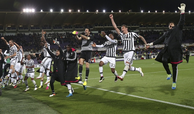 Rediff Sports - Cricket, Indian hockey, Tennis, Football, Chess, Golf - Juventus win fifth successive Serie A title