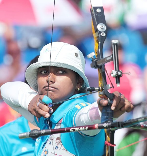 Rediff Sports - Cricket, Indian hockey, Tennis, Football, Chess, Golf - Archer Deepika equals World record in Shanghai