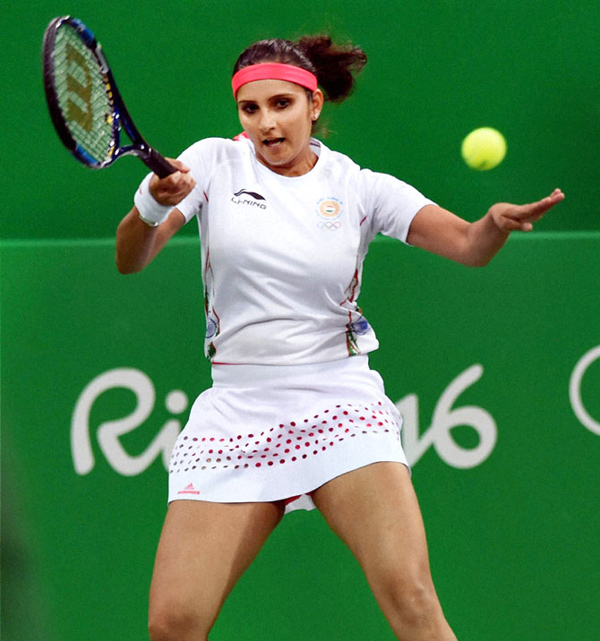 Rediff Sports - Cricket, Indian hockey, Tennis, Football, Chess, Golf - I don't feel extra pressure to win an Olympic medal: Sania