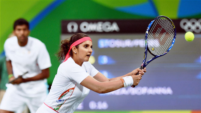 Sania Mirza And Rohan Bopanna play their mixed doubles match at the Rio Olympics