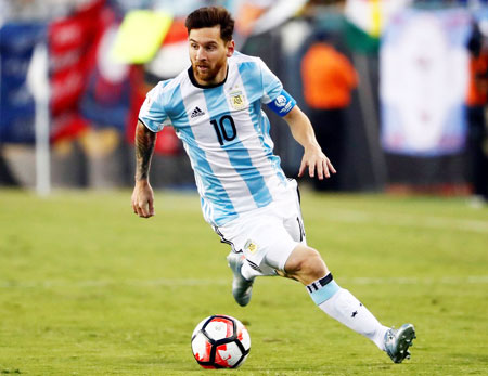 Rediff Sports - Cricket, Indian hockey, Tennis, Football, Chess, Golf - Messi gets four-match FIFA ban for insulting ref