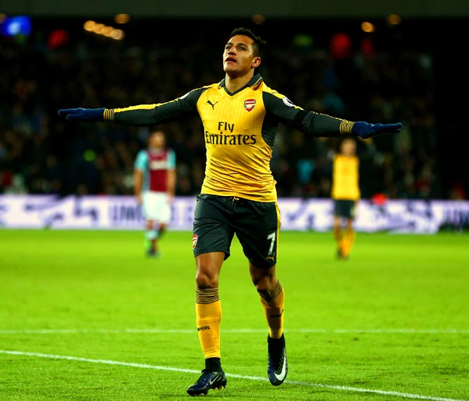 PHOTOS: Sanchez 'tricks' Arsenal to victory